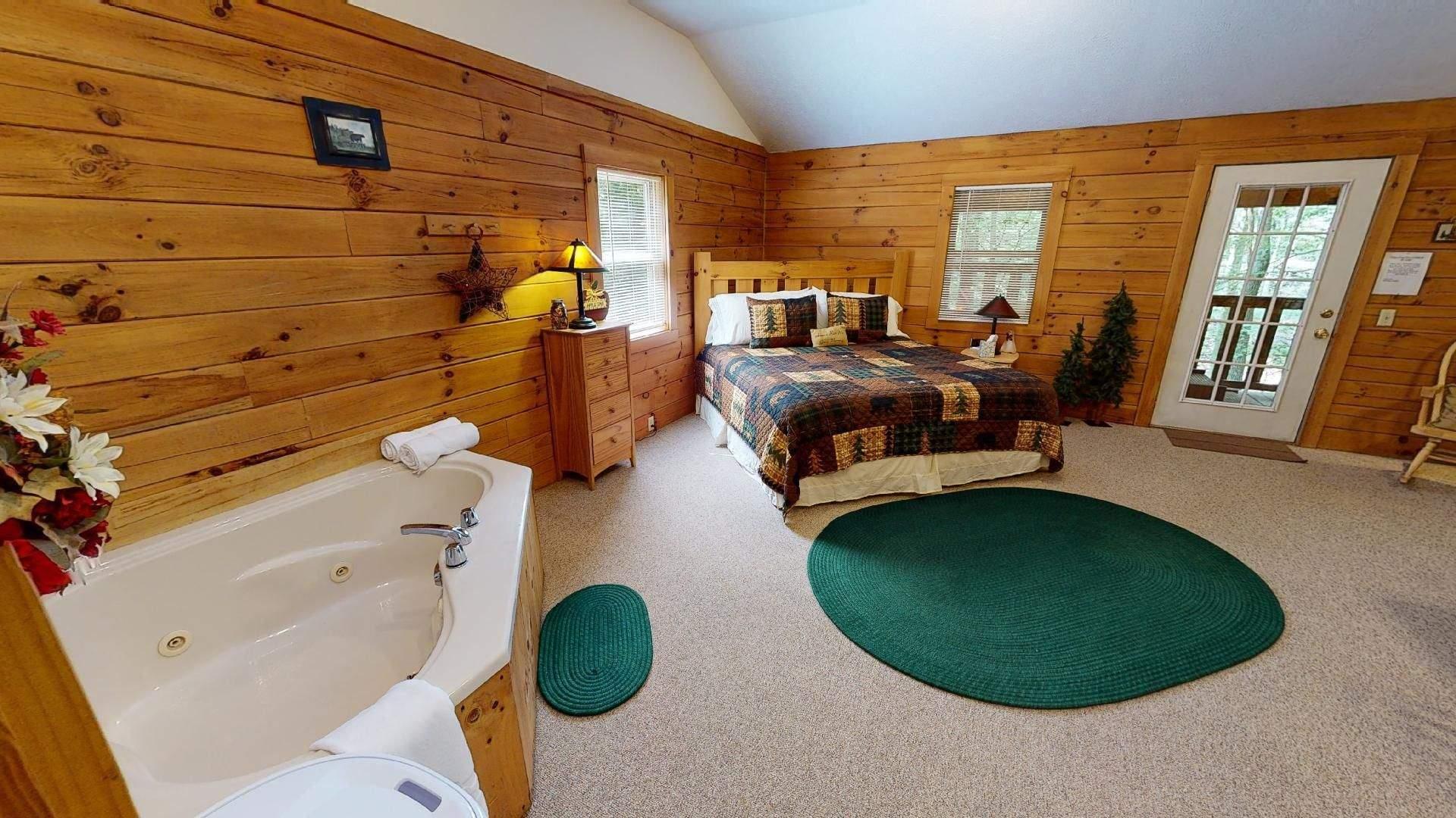 Bear Run Aspen Cabin Jacuzzi