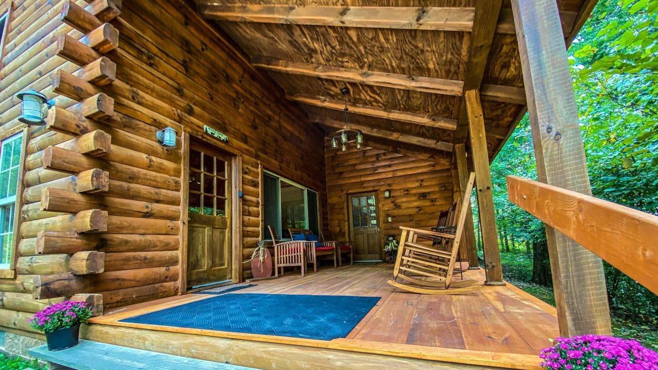 Redbud Cabin Hocking Hills